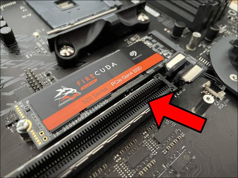 M2 SSD festschrauben anbringen Mainboard